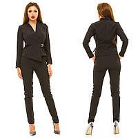 Женский костюм: брюки и пиджак