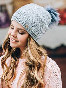 Красивая молодежная женская зимняя шапка