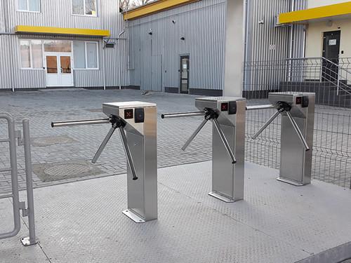 Турникет-трипод TiSO Центурион (шлифованная нержавеющая сталь)