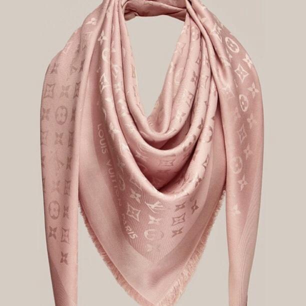 d86b71ec5c0b Платок Louis Vuitton пудра  продажа, цена в Одессе. платки, шали ...