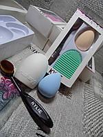 Набор для макияжа Kylie 3в1 (гибкая кисть, спонж, brushegg)