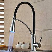 Современный хром отделка изменение цвета привело свет выдвижных распылителей палубные кухонный кран 05419989
