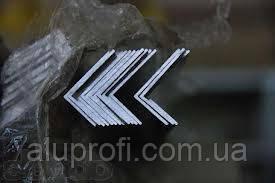Уголок алюминиевый 80х20х2мм АД31