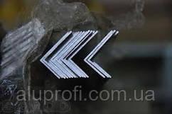 Уголок алюминиевый 30х8х2мм АД31