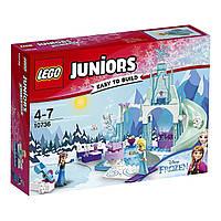 Конструктор LEGO Juniors Игровая площадка Эльзы и Анны  Anna and Elsa's Frozen Playground Building Set 10736