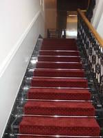 Отделка лестниц ковровыми и ПВХ покрытиями