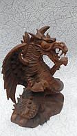 Статуэтка дракон крылатый вырезанный с цельного дерева высота 20см