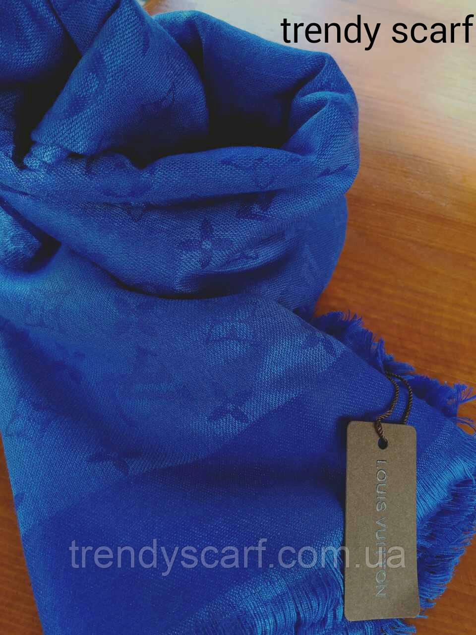 Женский Платок Louis Vuitton бренд Луи Виттон синий электрик цвет monogram  реплика шерсть шелк 140  f666ea7c154
