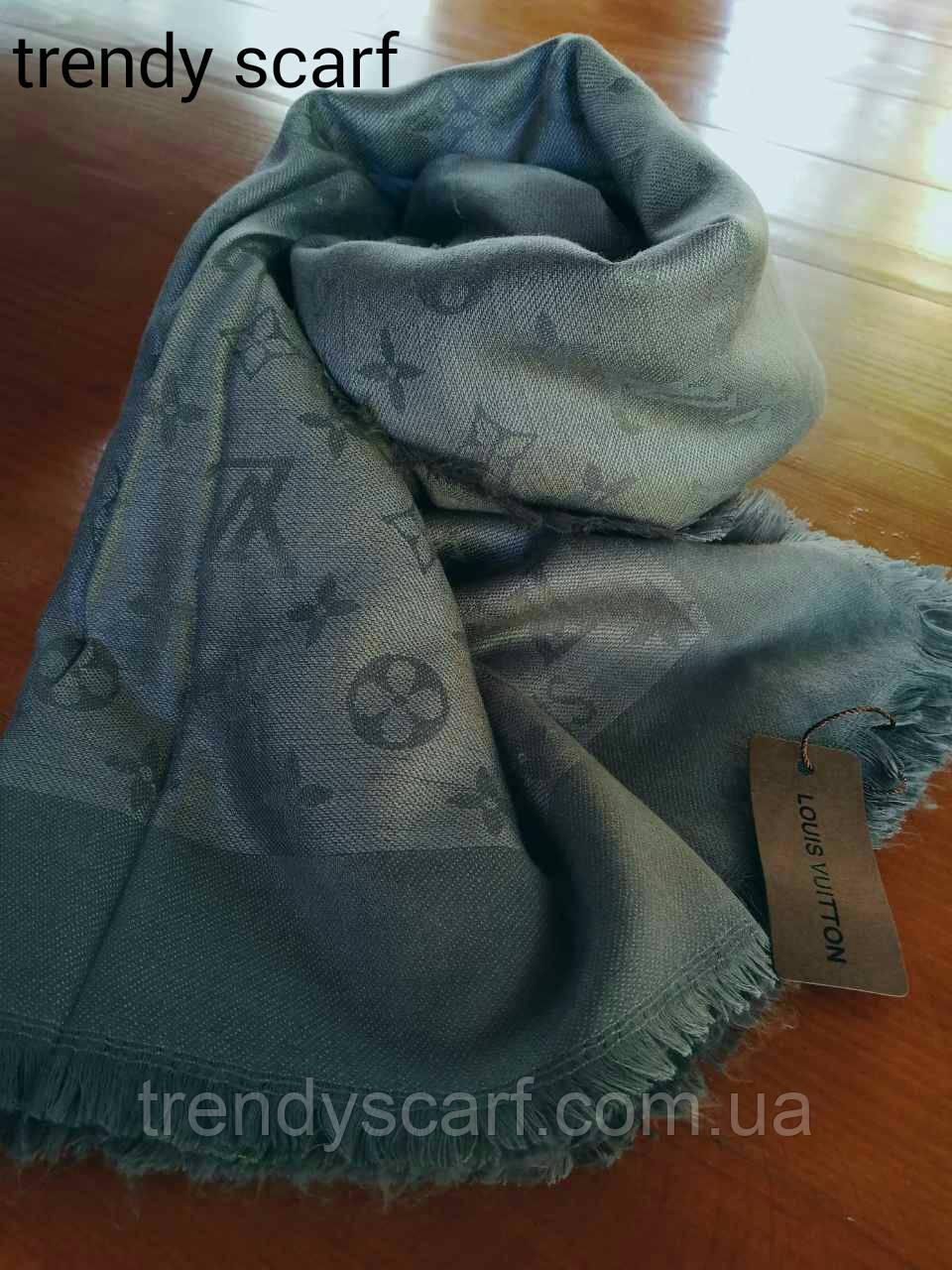 Женский Платок Louis Vuitton бренд Луи Виттон серый цвет monogram реплика  шерсть шелк 140 150 4c4f47f05b2