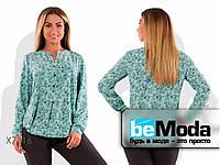 Комфортная женская блуза из бенгалина с цветочным принтом зеленая