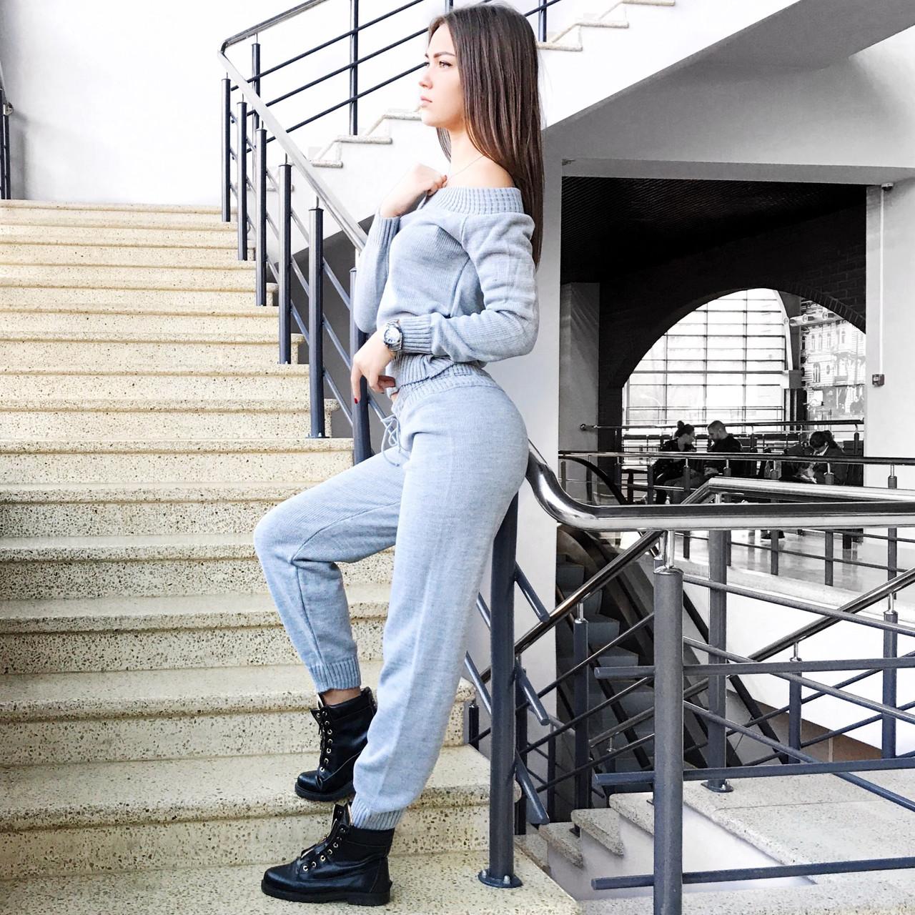 5e247a8b9b9 Серый вязаный женский костюм S T с открытыми плечами - Женские вязаные  костюмы и свитера по доступным