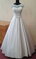 Стильное атласное свадебное платье с нежным макраме, новое, белое, размер 42-46