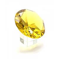 Кристалл из хрусталя желтый на подставке