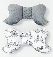 Подушка – позиционер детская BabySoon Велосипеды 32 х 24 см цвет серый (330)