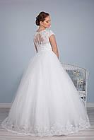 Свадебное пышное белое платье  с кружевом