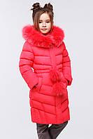 Зимнее пальто на девочку за колено с капюшоном.
