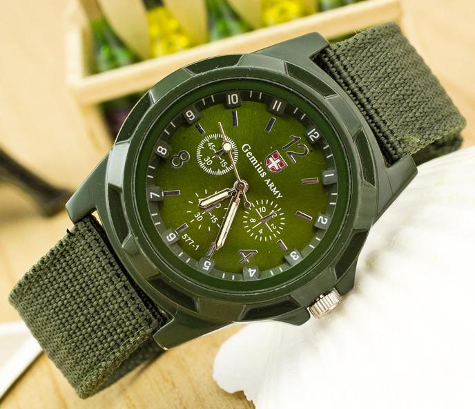 Мужские часы цвета хаки с текстильным ремешком