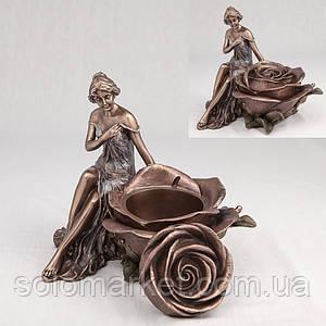 """Підсвічник """"Дівчина І Троянда"""""""