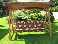 Дерев'яна гойдалка на 3 особи з регульованим дашком + подушка, фото 1