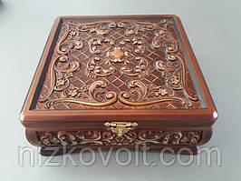 Квадратна скринька з візерунком (220х220х90)