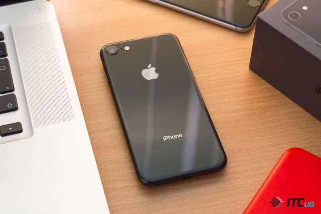 Огляд смартфону Apple iPhone 8 від ITC.ua