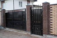 Ворота распашные, зашивка художественная ковка