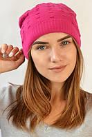 Малиновая шапка яркого цвета