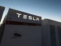 Ілон Маск на спір побудує найбільше енергохраніліще в світі