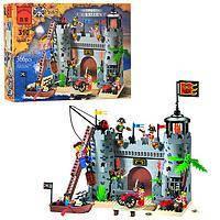 Конструктор Brick 310 Бухта Пиратов 366 деталей YNA