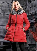 Модная красная зимняя куртка расклешенная к низу