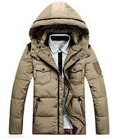 Светлая мужская зимняя куртка на пуху