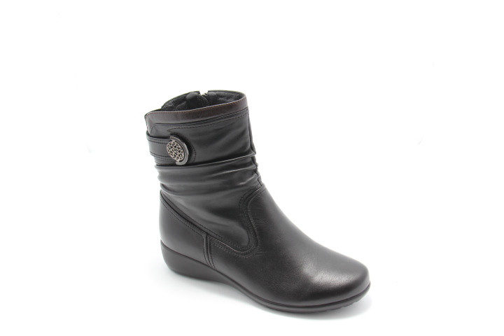 Черные ботинки на танкетке Battine B666