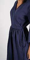 Синее льняное платье на запах