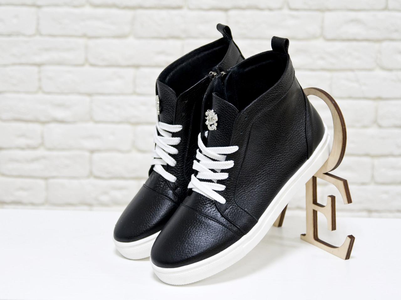 869b0968 Кеды из натуральной кожи черного цвета с белыми шнурками Gino Figini -  Интернет-магазин одежды