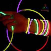 Неоновые палочки-браслеты
