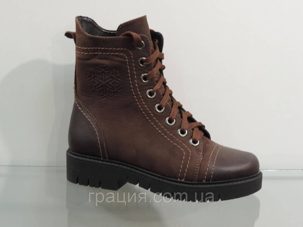 Зимові жіночі шкіряні черевики на шнурівці коричневі