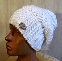 Вязанная женская шапка белая