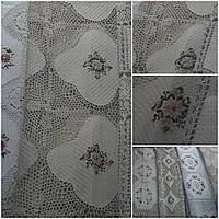 Ажурная скатерть с ручной ленточной вышивкой, 150х220 см., 635/585 (цена за 1 шт. + 50 гр.)