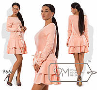 Платье с атласными завязками, с двумя оборками, вырез лодочка. Персик 9665 фм