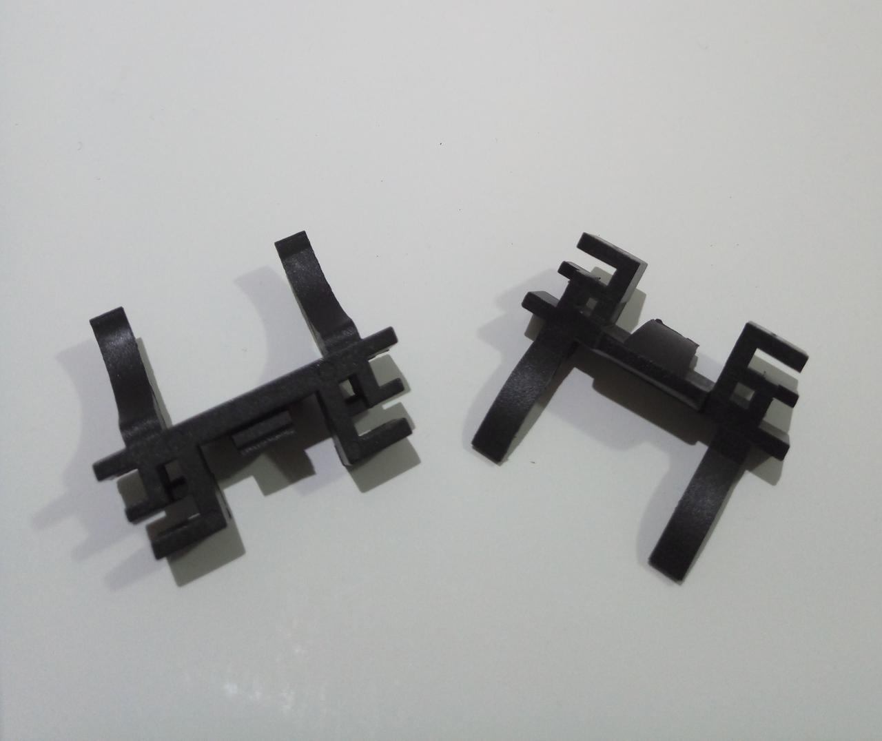 Переходник пластиковый H7 цоколь адаптер для LED и ксенона Ford Focus 2/3, Mondeo (150011)