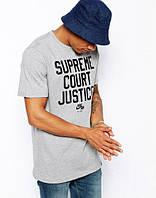 Стильная футболка с принтом серая