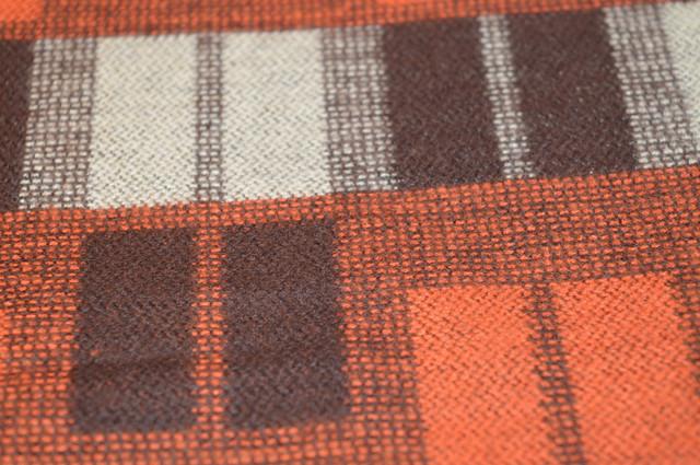 Кашемировая ткань в коричнево-бежевых цветах шарф ночная синь 4