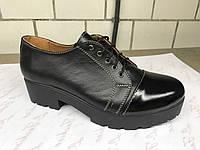Кожаные женские туфли 37 р.