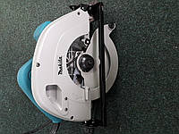 Ручная циркулярка пила дискова Makita 5704R