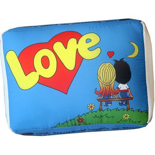 """Подушка в форме жвачки """"Love is"""" (синяя)"""