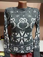 Очень теплый шерстяной свитер без горла.