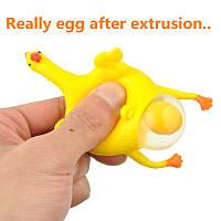 Антистресс игрушка - резиновая Курица несущая яйца