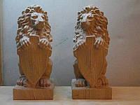 """Скульптура из дерева """"Лев""""."""