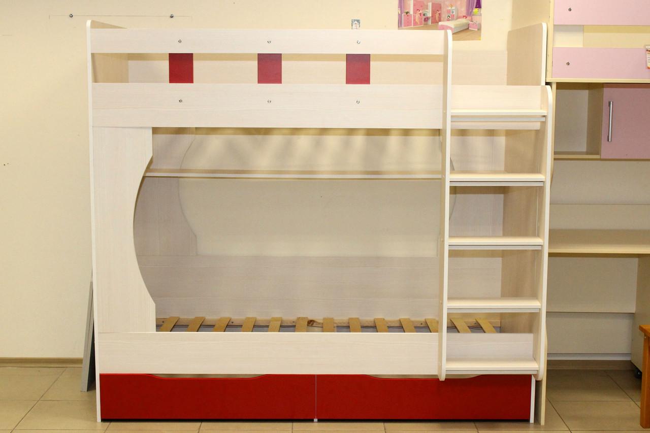 Кровать детская двух-ярусная