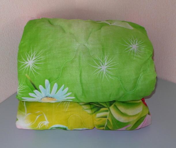 Одеяло двухспальное ,наполнитель овчина а ткань полиэстр